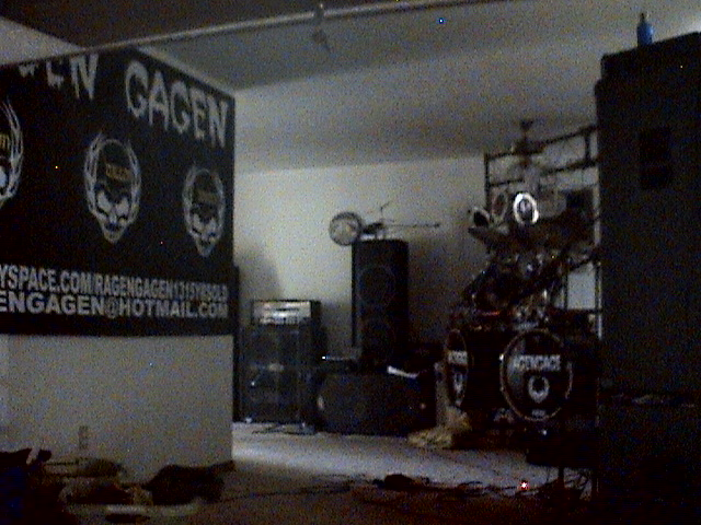 ragen gagen band room